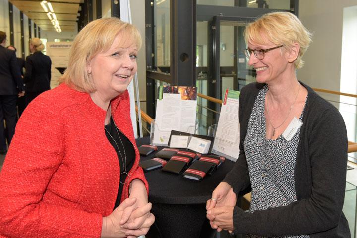 Das Hochschulnetzwerk NRW führt den Dialog mit Politik und Unternehmen.