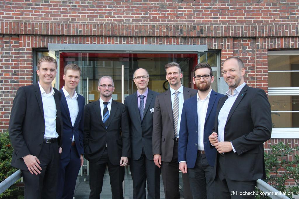 Das Team des Center for Applied Data Science stellt sich zur Eröffnung vor (Bild: Hochschulekommunikation)