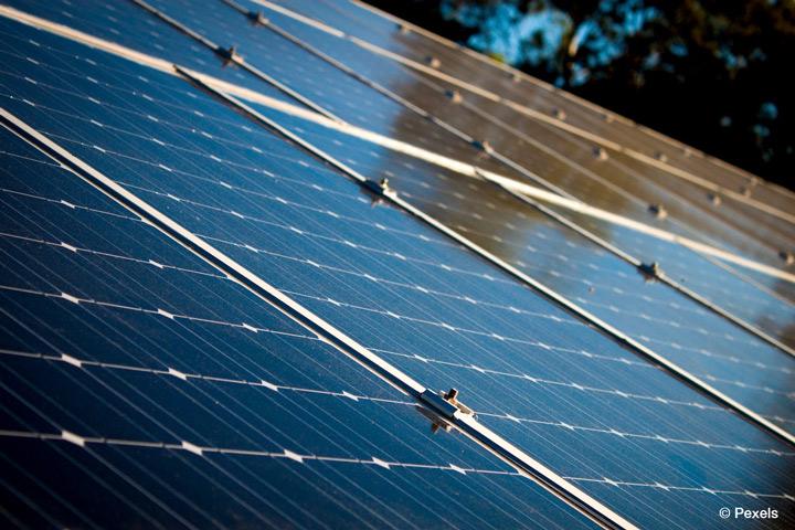 """""""Virtuelle Institut Smart Energy"""" der TH Köln erforscht neue Geschäftsmodelle in der Energiewirtschaft (Bild: Pexels)"""