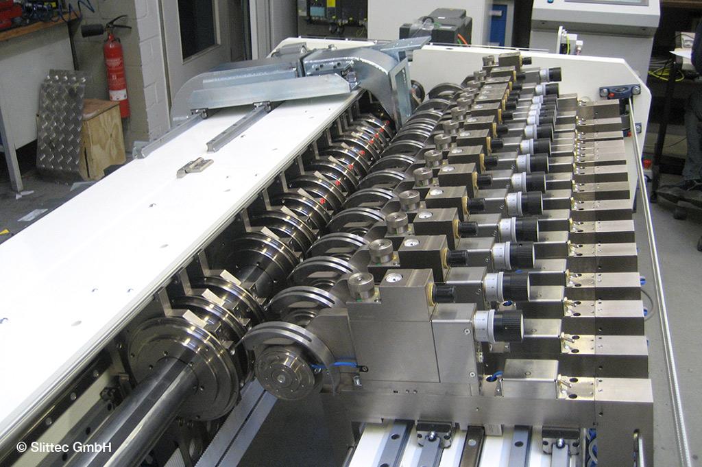 Die Kreismesser können durch die Behandlung mit Stickstoff doppelt so viele Papierbahnen wie vorher schneiden (Bild: Slittec GmbH)