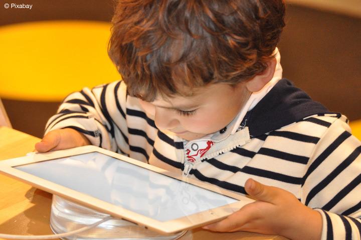 """Forschungsprojekt """"AVATAR"""" der hsg und FH Dortmund unterstützt Therapien gegen kindliches Lispeln (Bild: Pixabay)"""