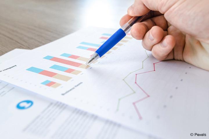 """Projekt """"Data Mining-basierte Optimierung der Produktion, ihrer Steuerung und Überwachung"""" der HS OWL hilft Unternehmen, Daten von Produktionsanlagen auszuwerten (Bild: Pexels)."""