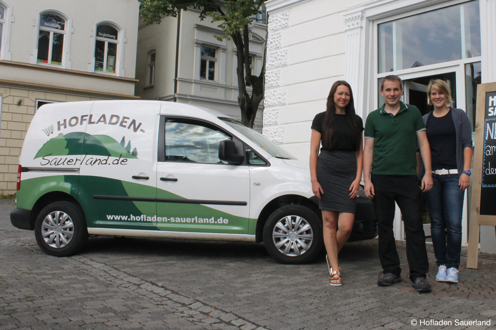 Das Team von Hofladen Sauerland möchte die Lebensmittelversorgung durch die Abholbox weiterentwickeln (Bild: Hofladen Sauerland).