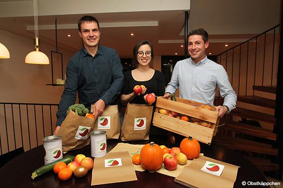 """""""Obstkäppchen e.V."""" liefert einmal monatlich Tüten, gefüllt mit gesunden Lebensmitteln, kostenlos und anonym vor die Haustüren (Bild: Obstkäppchen)."""