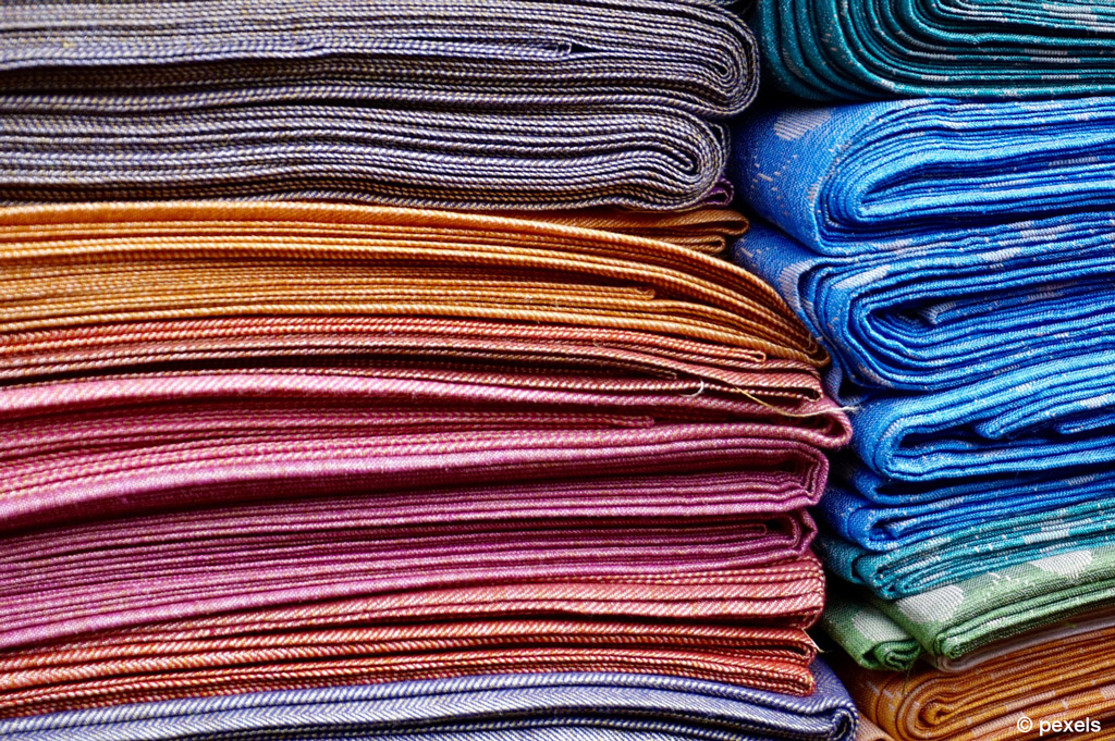 Hochschule Niederrhein erhält Förderung für ihr Center Textillogistik (Bild: Pexels).