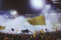 Studie zur Fußball-Fanszene: Gewalt und Drogenkonsum hängen zusammen (Bild: Pexels).