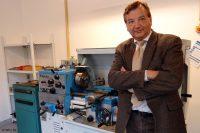 Heijunka-Opti - Wirtschaftsingenieur Prof. Dr. Henrik Passinger hat an der Westfälischen Hochschule in Recklinghausen ein mathematisches Modell entwickelt, um in der Produktion die Folgen von Nachfrageschwankungen auszugleichen (Bild: WH |BL).