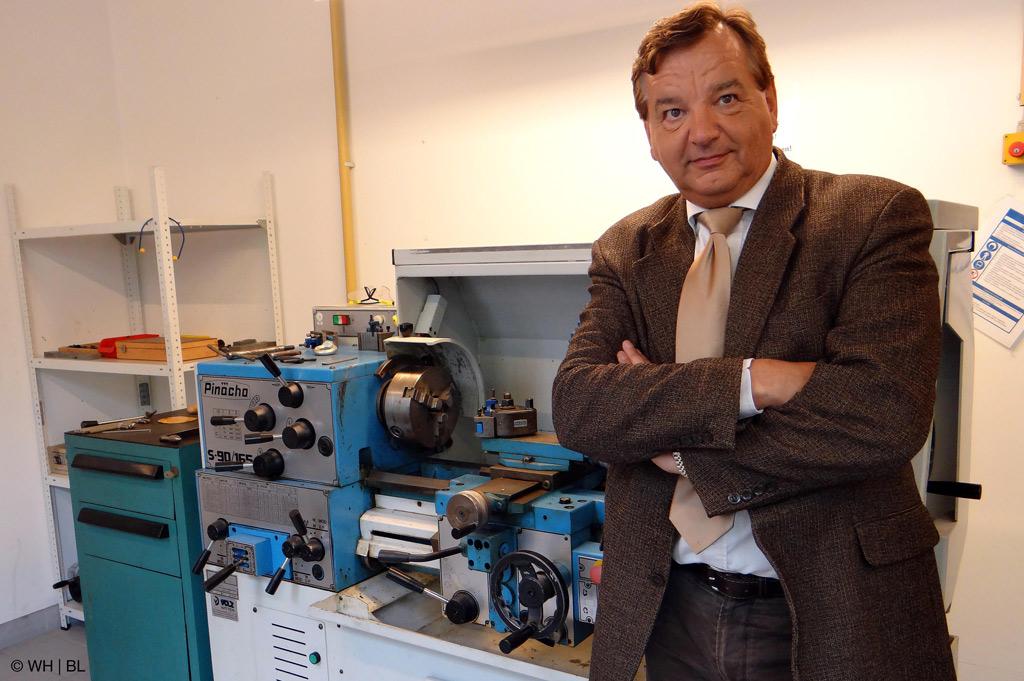 Heijunka-Opti - Wirtschaftsingenieur Prof. Dr. Henrik Passinger hat an der Westfälischen Hochschule in Recklinghausen ein mathematisches Modell entwickelt, um in der Produktion die Folgen von Nachfrageschwankungen auszugleichen (Bild: WH | BL).