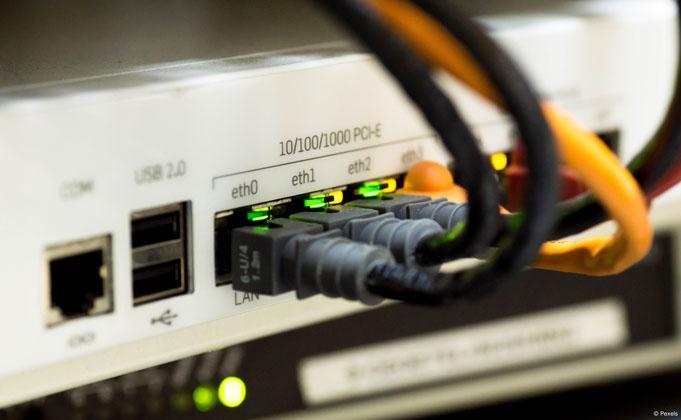 Forschungsprojekt der TH Köln: Valide Qualitätsbewertung von Internetanschlüssen über WLAN (Bild: Pexels).