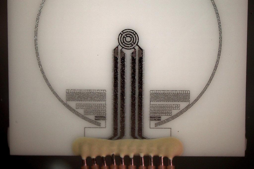 Darstellung in Form einer Nahaufnahme eines Wärmeübergangsensors mit einem Millimeter Durchmesser. (Bild: FH Münster/Nico Volbert)
