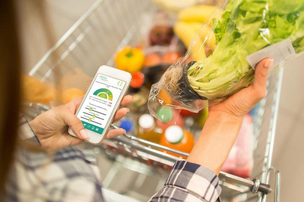Die FreshIndex-App auf dem Handy im Einsatz im Supermarkt.