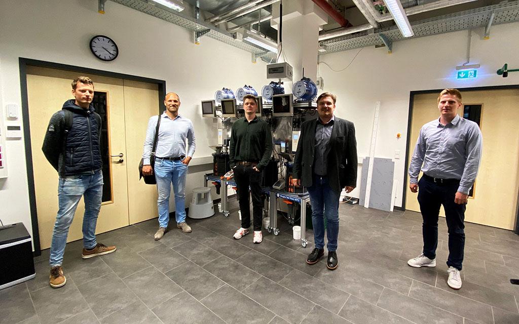 Wollen aus biologischen Reststoffen Energie gewinnen: Robert Wassenaar (CCS), Dr. Gijs van Pruissen (CCS), Tobias Weide (FH Münster), Dr. Elmar Brügging (FH Münster), Tim Wewering (FH Münster).