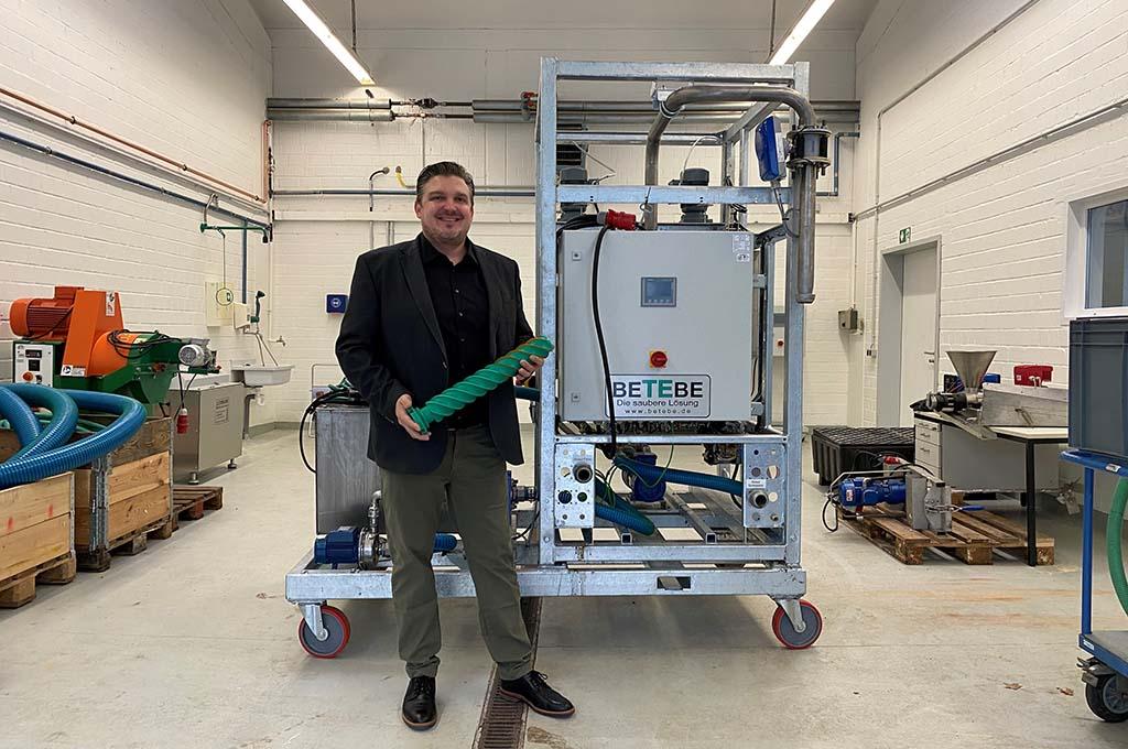 Dr. Elmar Brügging vom Fachbereich Energie – Gebäude – Umwelt hat mit seinem Forschungsteam und der Firma BeTeBe den Separator entwickelt. (Bild: FH Münster | Fachbereich EGU).